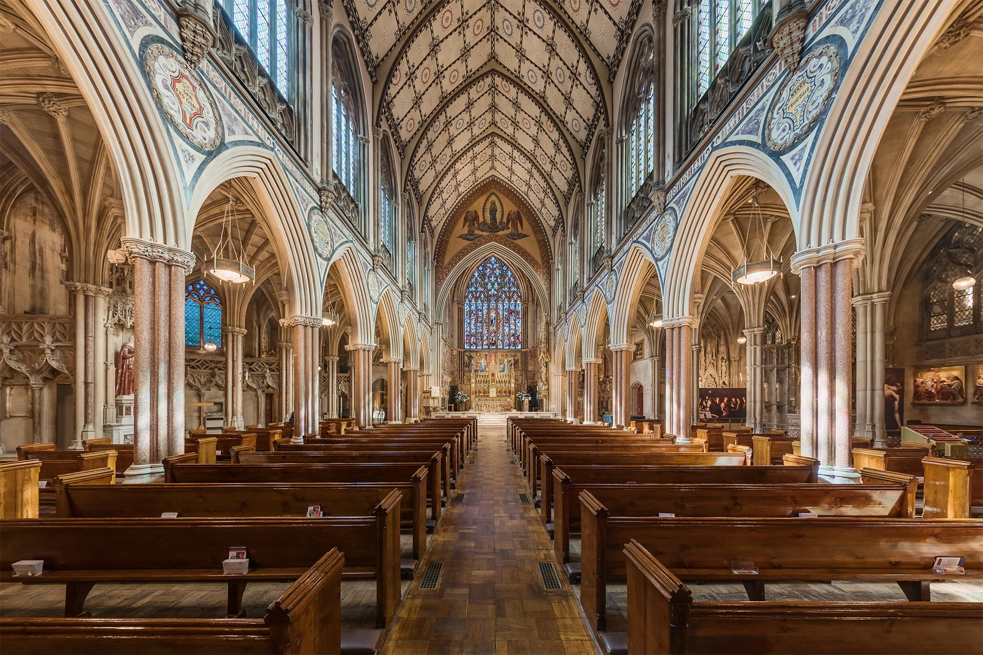 Virtual tour of Farm Street Church, Mayfair, London